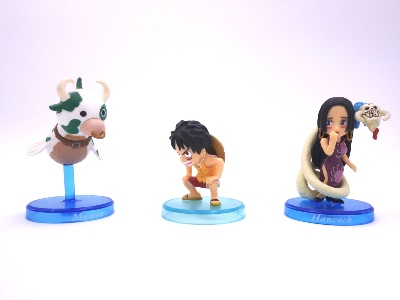 Lot de 3 mini figurines - One Piece - Momou - Luffy - Hancock