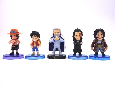 Lot de 5 mini figurines - One Piece - Famille D