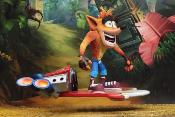Figurine - Crash Bandicoot Deluxe Hoverboard Crash Bandicoot - 14 cm